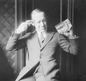 Le comédien et chanteur Ernest Hare dans les années 20 plaisante sur la prohibition